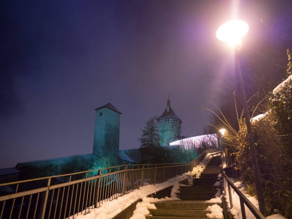 Foto vom beleuchteten und winterlichen Munot in Schaffhausen. Abgelichtet von Fotograf Rainer Rössler.