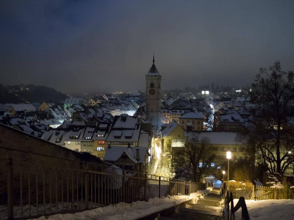 Foto vom beleuchteten und winterlichen Innenstadt Schaffhausen. Abgelichtet von Fotograf Rainer Rössler.