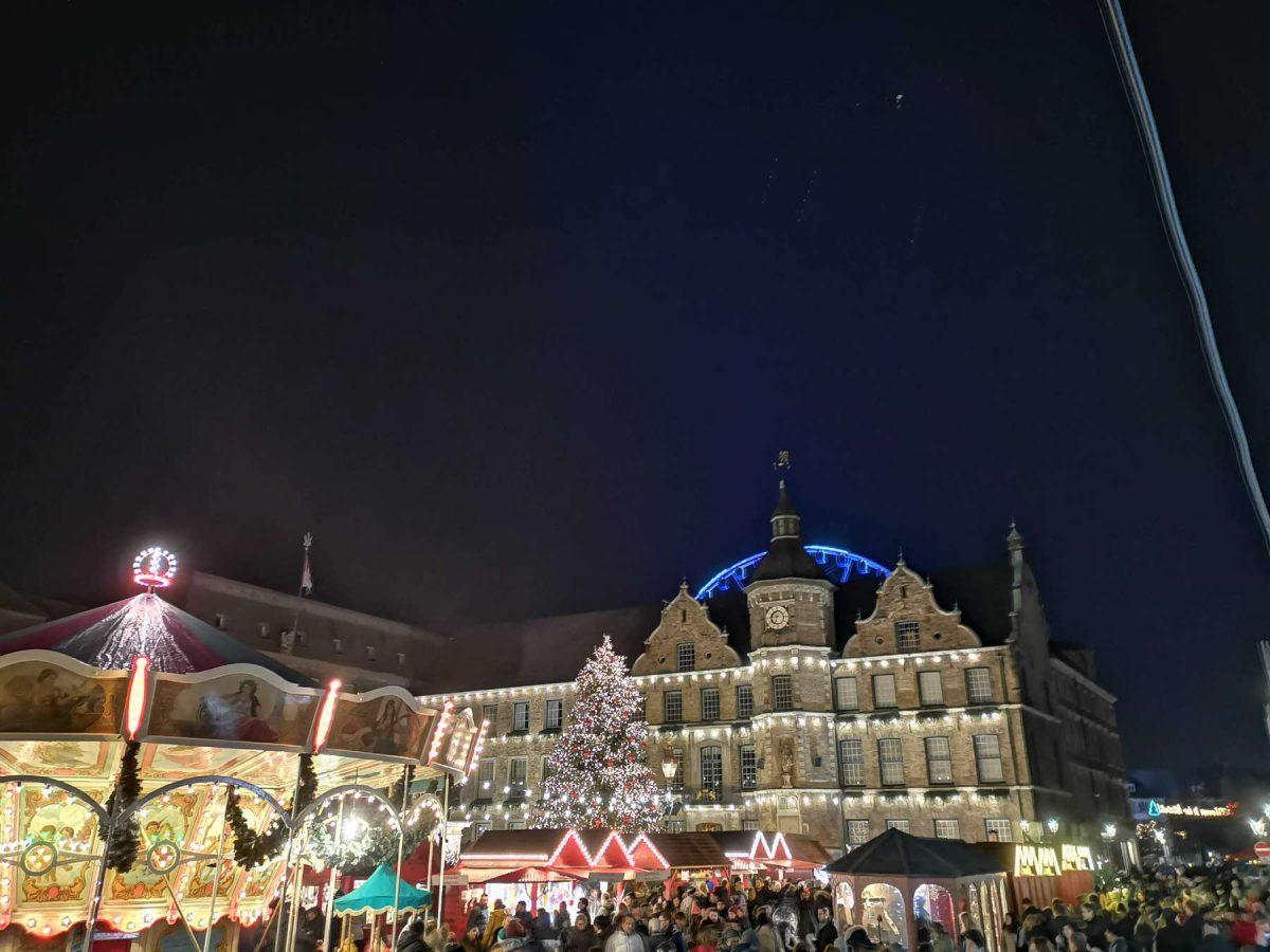 Foto vom Weihnachtsmarkt Düsseldorf 2019 von Fotograf Rainer Rössler.