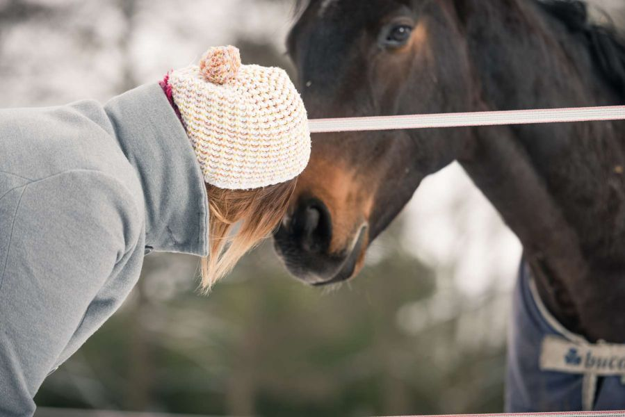 fotograf pferd frau sensibel fotoshooting achtsam
