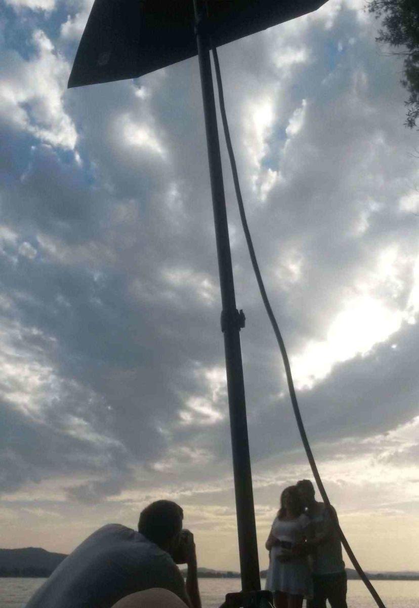 Pärchen Fotoshooting für professionelle Fotos draussen am Bodensee bei Radolfzell