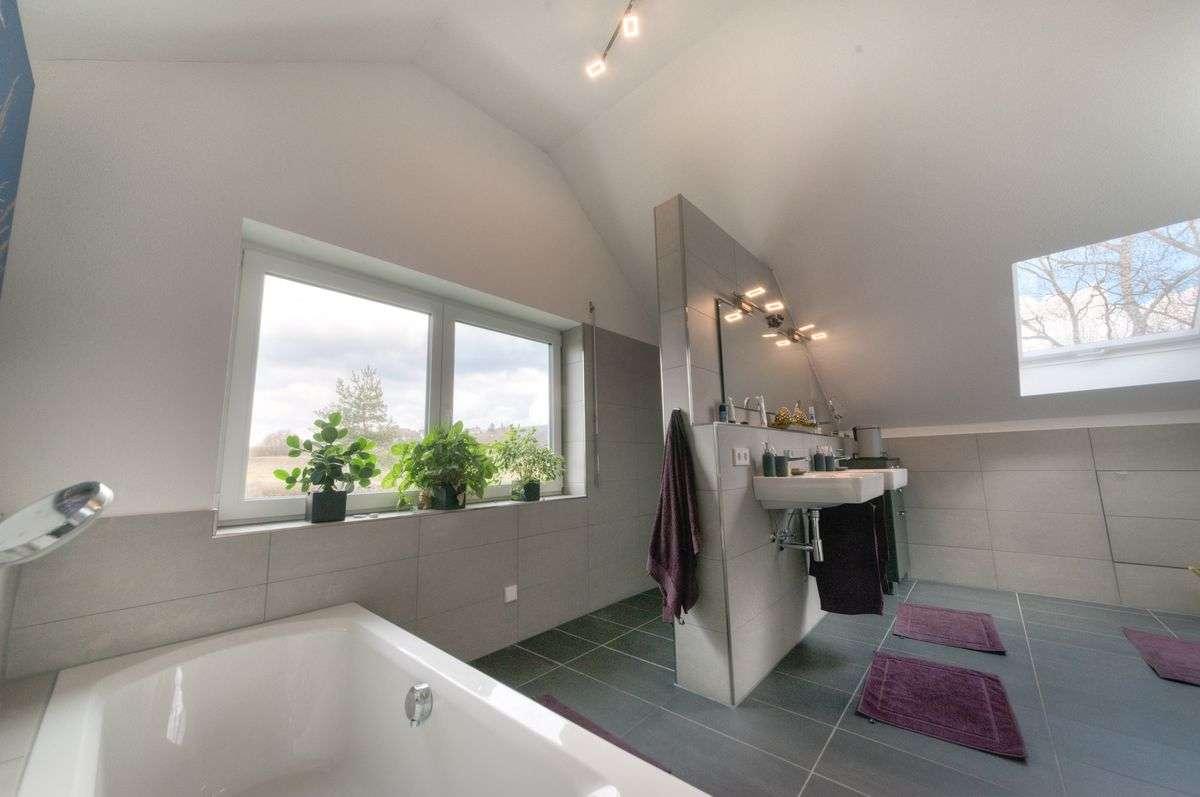 immobilienfotografie rewa aach bodensee bad2 rainer. Black Bedroom Furniture Sets. Home Design Ideas