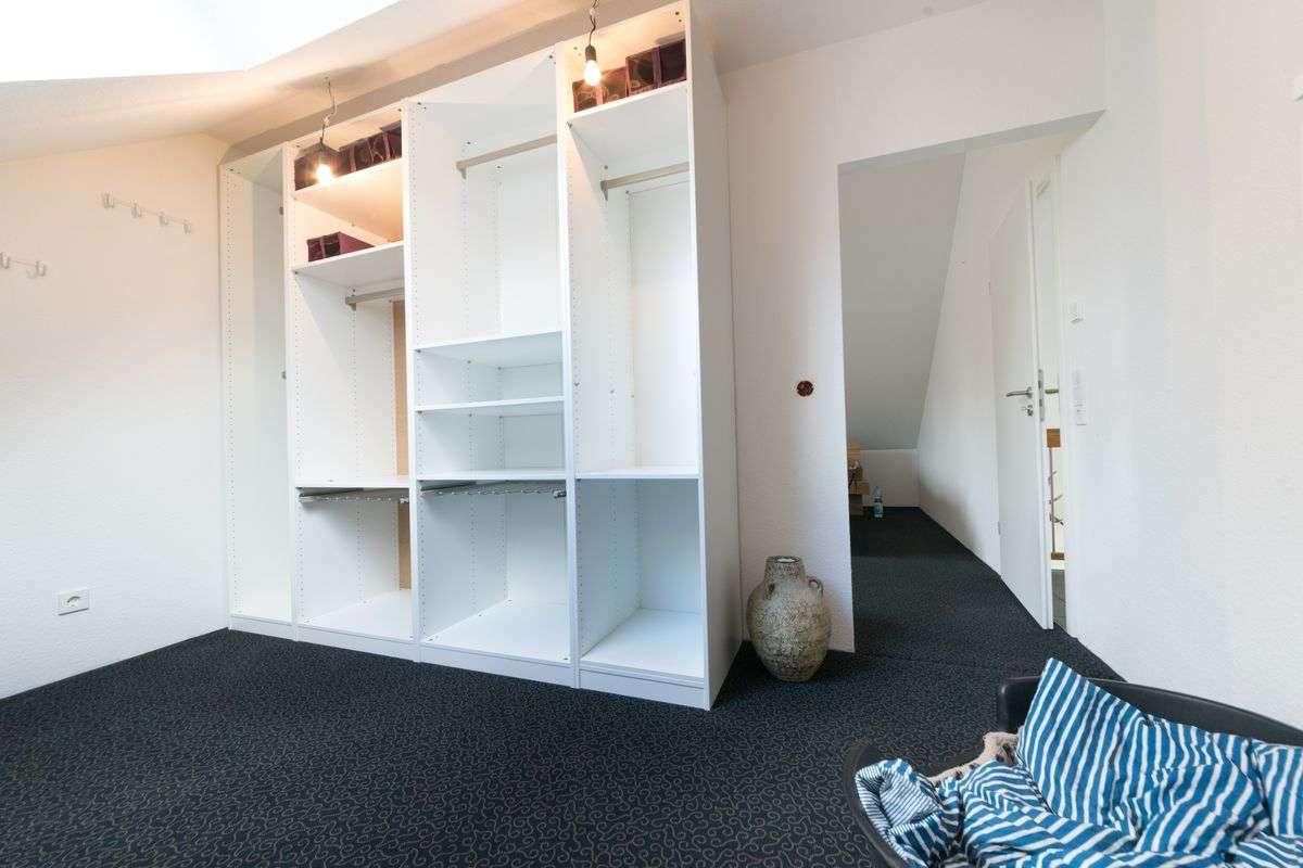 immobilienfotografie rewa aach bodensee begehbarer. Black Bedroom Furniture Sets. Home Design Ideas