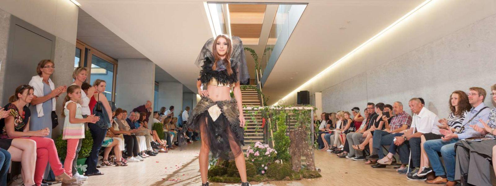 Fotografie RR Eventshooting - Modenacht Radolfzell Catwalk Model