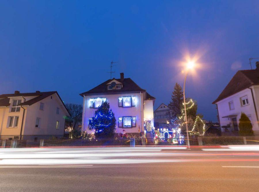 Das Weihnachtswunder von Radolfzell - jedes Jahr überrascht der Besitzer die Radolfzeller aufs Neue mit seinen Lichtinstallationen